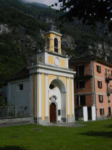 Ebenfalls an der Piazza von Cevio ist diese Kapelle