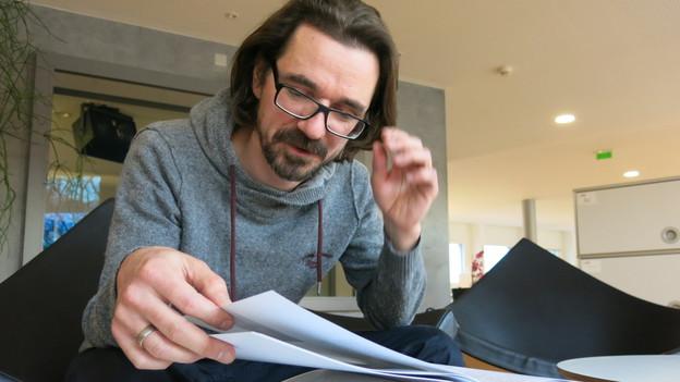 """Bernd Isele über das Buch """"Bühnenlandschaften"""" im Regionaljournal Zentralschweiz von SRF Regionaljournal Zentralschweiz, Radiobeitrag und Bildquelle"""