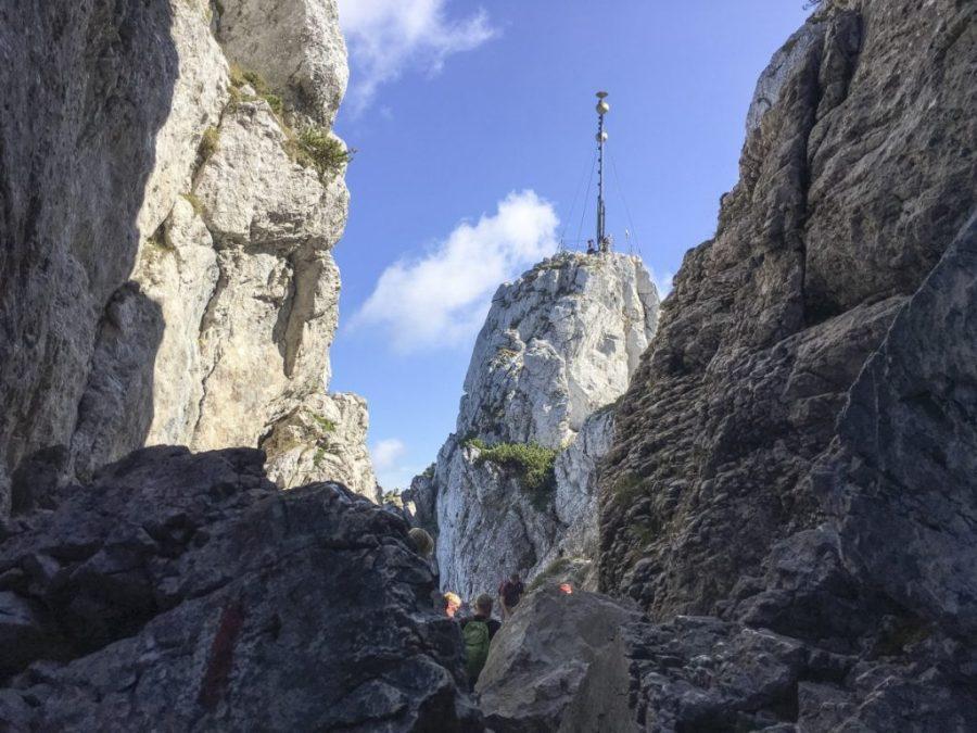 Zum Gipfel ... noch kurz hinten links herum