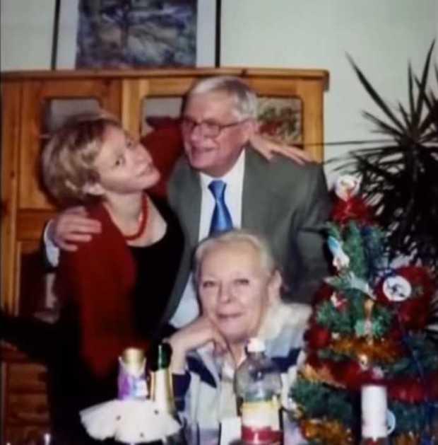 Любящие супруги с дочерью Ксюшей. / Фото: семейный архив