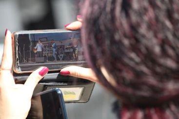 blick durch smartphonekamera