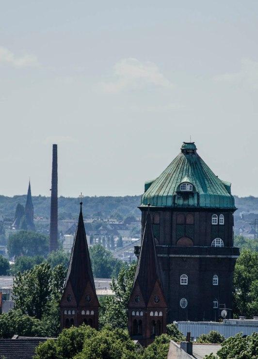 Ausblick auf den Wilhelmsburger Wasserturm vom Energiebunker