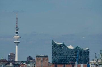 Ausblick auf die Elbphilharmonie vom Energiebunker Wilhelmsburg