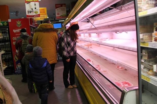 Tomt for kjøtt i butikkene torsdag kveld lite bilde