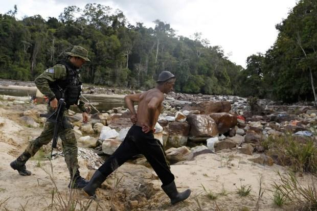 illegal_gold_mining_amazonas