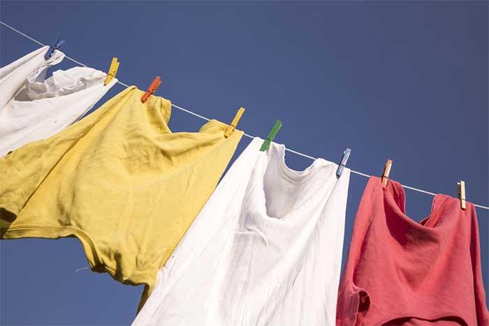 Mencuci Pakaian Bebas Bau