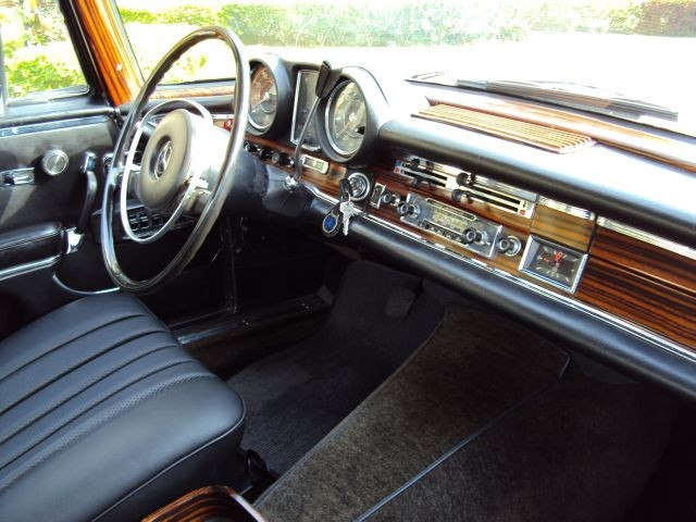 1967 Mercedes Benz 300 SE Coupe ONLY 16800 Miles 2 Owner