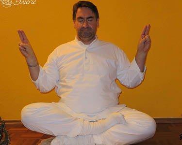 Kundalini Yoga Galerie Schule Münster - Meditation: Lächelnder Buddha