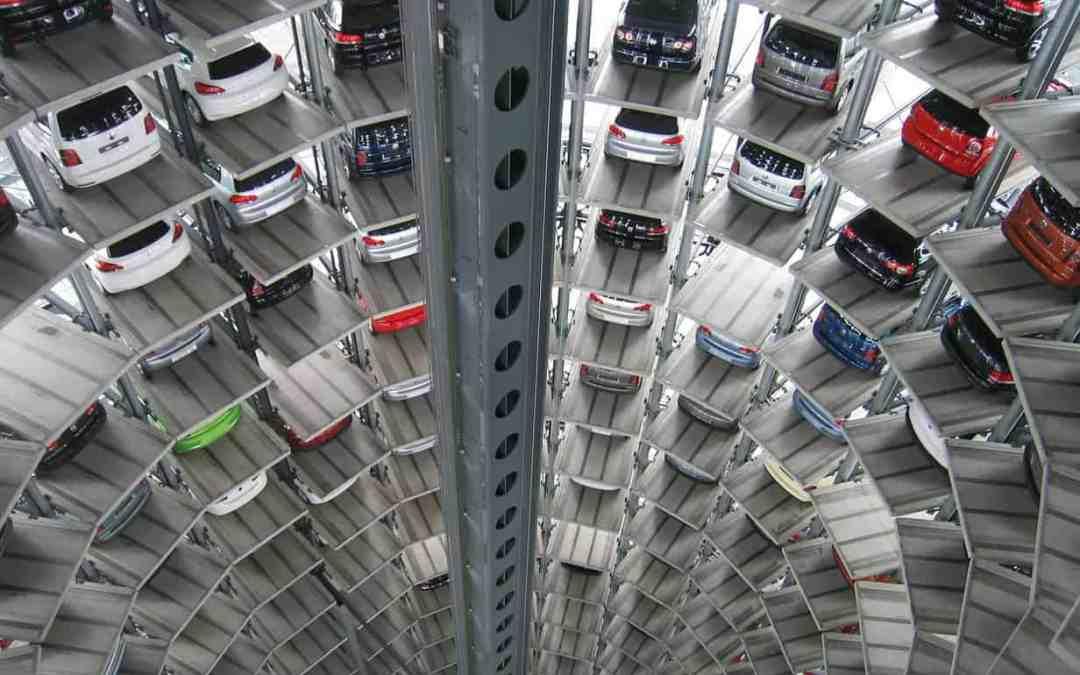 Zur Notwendigkeit neuer kundenorientierter Geschäftsmodelle am Beispiel der Automobilindustrie