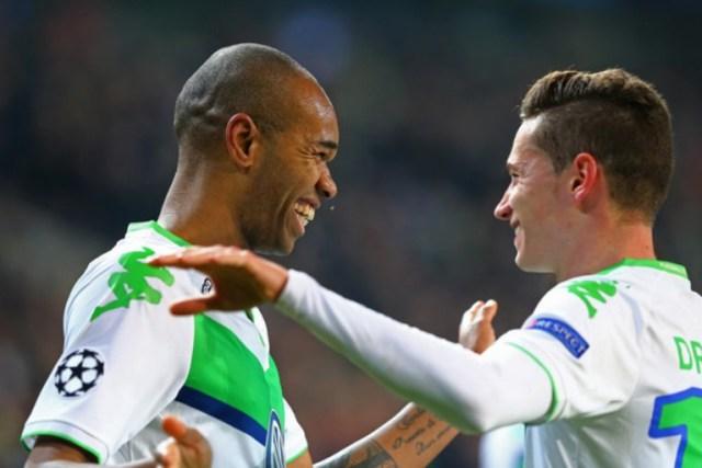 VfL+Wolfsburg+v+Manchester+United+FC+UEFA+h_uB6gJFzeMl