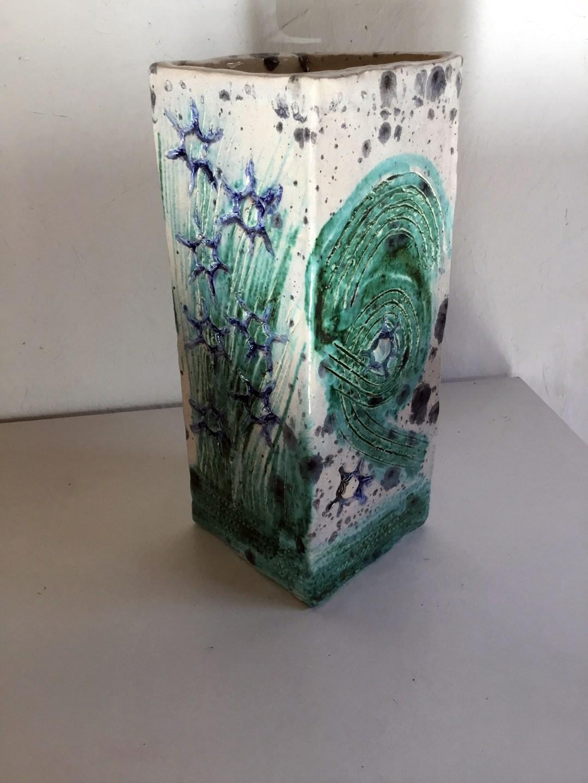 vierkante vaas met diverse oxiden en glazuren