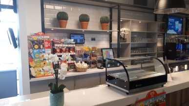 Kunstplanten in restaurant - Projectbeplanting - Kunstplantshop.nl