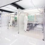 Nur wenige Monate nach der Inbetriebnahme seines Reinraums hat 1zu1 Prototypen wegen der großen Nachfrage bereits eine dritte Spritzgussmaschine bestellt. | Foto: 1zu1