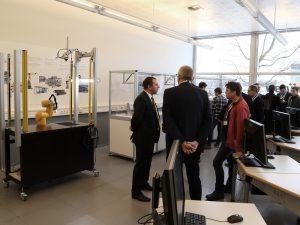 Der Schulungsraum ist mit vollwertigen Stäubli-Robotersystemen, Hardware und Software ausgestattet, um optimale Schulungsergebnisse zu garantieren.   Fotos: Stäubli