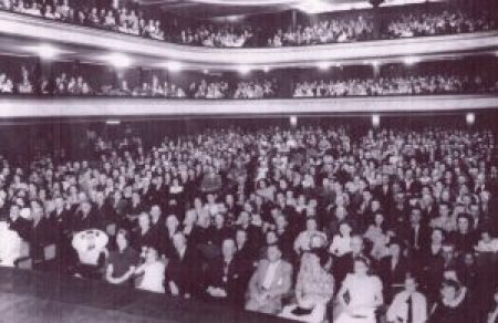 Volle concertzaal in 1945