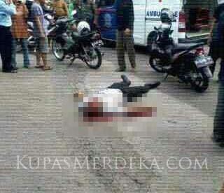 Korban penembakan yang tewas di tempat di bilangan Jl. Mayor Oking, Cibinong