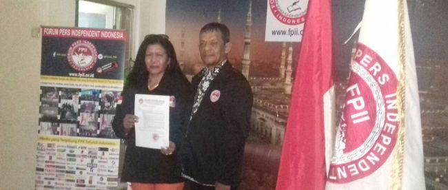 Ketua Presidium FPII, Kasihhati (kiri)