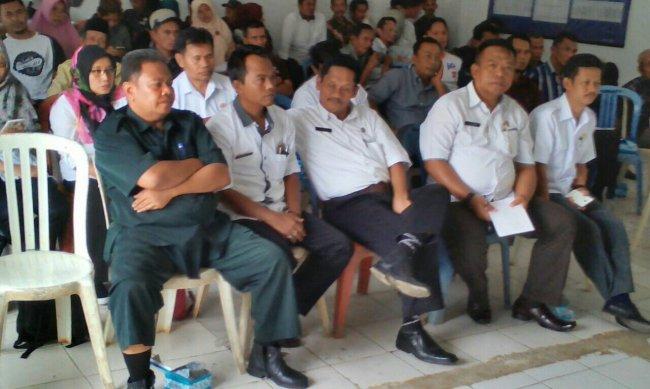 Kades se-Kecamatan Tamansari menghadiri rapat minggon, Rabu 7/11 (dok. KM)