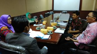 Pertemuan antara KPAI dengan Kepala dinas pendidikan dan kepala Biro Hukum yang mewakili Bupati Serang, yang bertempat di kantor KPAI Jalan Teuku Umar, Menteng, Jakpus, Kamis (14/12) (dok.KM)