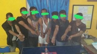 Tujuh tersangka pelaku pesta narkoba sabu serta barang bukti diamankan Satres Narkoba Polres Aceh Utara, Kamis 18/1 (dok. Raz/KM)