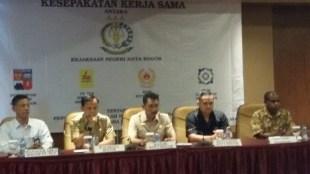 Kajari Kota Bogor Yudi Indra Gunawan dan Walikota Bogor Bima Arya saat acara penandatanganan kesepakatan kerjasama (dok. KM)