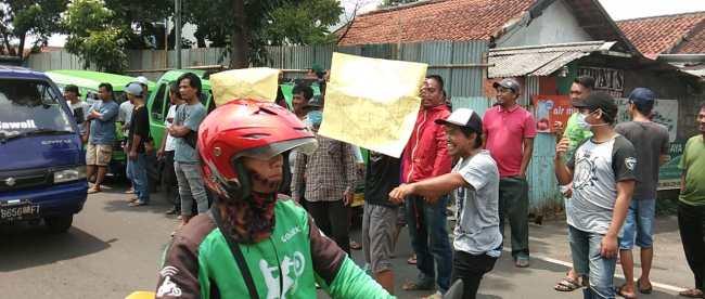 Unjuk rasa sopir Angkutan Umum 01/21 di Kantor Dishub Kota Bogor, Selasa 13/11/2018 (dok. KM)