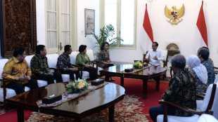 Presiden Joko Widodo menerima panitia seleksi (pansel) calon pimpinan Komisi Pemberantasan Korupsi (KPK) periode 2019-2023., di Ruang Jepara, Istana Merdeka, Jakarta, Senin 17/6/2019 (dok. Setpres)