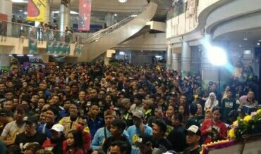 Ribuan anggota Komunitas Kebumen Bersatu (KKB) menghadiri hari jadi pertama di Mal WTC Mangga Dua, Jakarta pada Minggu, 21/7/2019.