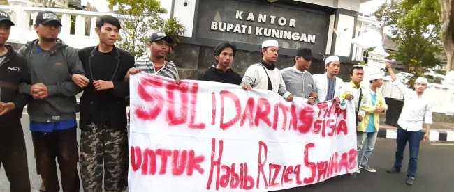 Mahasiswa yang mengikuti aksi