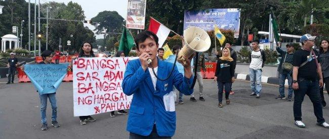 Aksi Mahasiswa Unpak Bogor dalam Refleksi Hari Pahlawan, Rabu 13/11/2019 (dok. KM)
