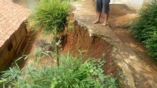 Jalan rusak di Desa Cibalung, Kecamatan Cijeruk, Bogor (dok. KM)