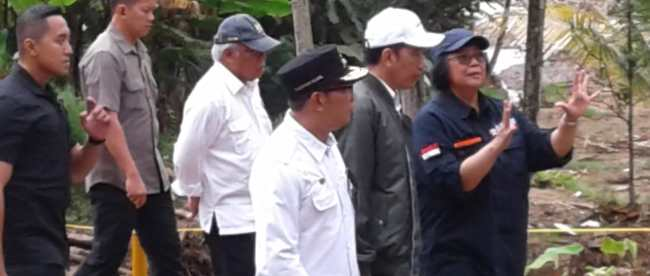 Presiden Joko Widodo didampingi sejumlah menteri di Sukajaya, Bogor, Senin 3/2/2020 (dok. KM)