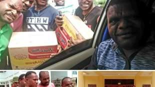 Anggota DPR Papua Laurenzius Kadepa mengirimkan bantuan makanan kepada asrama mahasiswa Meepago di Jayapura (dok. KM)