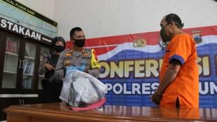 Konpers pengungkapan kasus pencabulan anak oleh kakek warga Kebumen di Mapolres Kebumen, Sabtu 16/5/2020 (dok. KM)