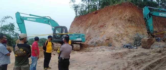 Galian tanah tidak berizin di Desa Bendungan, Kecamatan Jonggol, Kabupaten Bogor (dok. KM)