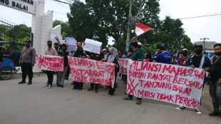 Aksi unjuk rasa Aliansi Mahasiswa Bersatu Tanjungbalai menolak UU Ciptaker, Senin 12/10/2020 (dok. KM)