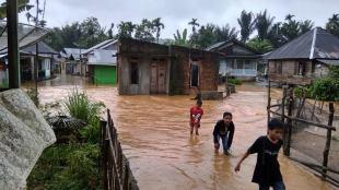Banjir yang melanda beberapa kawasan di Kecamatan Talamau, Pasaman Barat, akibat hujan deras pada Senin 5/10/2020 (dok. KM)