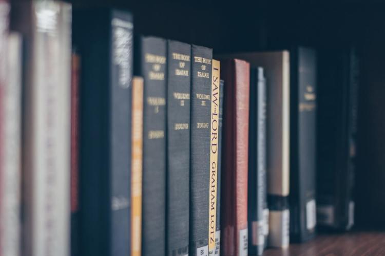 Domáca knižnica bez veľkých výdavkov