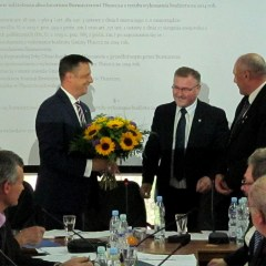 Radni jednomyślnie za absolutorium dla burmistrza Pawła Bednarczyka…