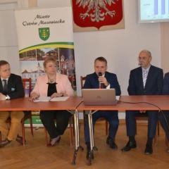 Burmistrz Jerzy Bauer o nagrodach, budżecie na 2018 oraz pomówieniach…