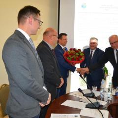 Jednogłośne absolutorium dla Burmistrza Tłuszcza Pawła Bednarczyka!