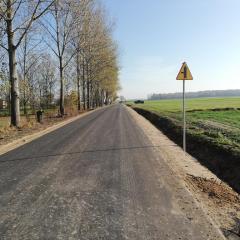 Zakończenie przebudowy drogi gminnej w miejscowości Zaręby Choromany