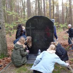 Szkoła Podstawowa w Leszczydole – Nowinach pamięta!