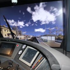 Koleje Mazowieckie posiadają super nowoczesny symulator jazdy