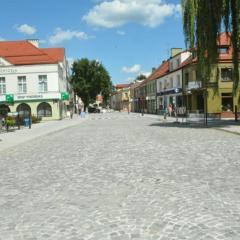 Od 1 sierpnia 2020 r. przywrócony zostanie ruch kołowy  na ulicy Świętojańskiej,  a wyłączona będzie z ruchu kołowego ulica Benedyktyńska