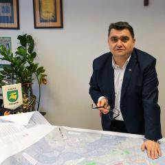 Burmistrz Łochowa Robert Gołaszewski z absolutorium – 13 głosów za przy jednym wstrzymującym się!
