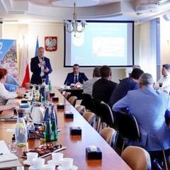 Samorządowcy z czterech powiatów jednoczą siły w sprawie budowy Kolei Północnego Mazowsza