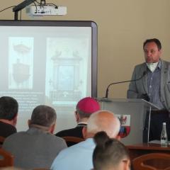 """Podsumowanie pierwszego roku projektu """"Bliźniacze klasztory: Węgrów i Rawa Ruska"""""""