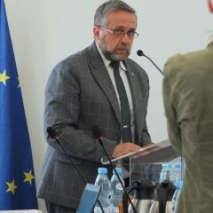 18 – radnych za udzieleniem absolutorium Burmistrzowi Pułtuska