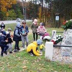 Młodzież z Wólki Radzymińskiej pamięta o Bohaterach